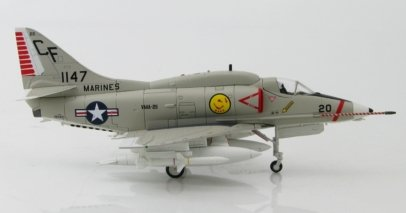 "Starboard View Hobby Master HA1426 - 1/72 Scale Douglas A-4E Skyhawk Diecast Model Aircraft of BuNo 151147/CF 20, VMA-211 ""Wake Island Avengers"", Chi Lai, 1968."