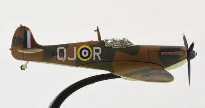 Starboard View Oxford Diecast AC052 - 1/72 Scale Supermarine Spitfire Mk I Diecast Model Aircraft of X4328 O-JR Plt Off Philip Howard 'Zeke' Leckrone, No 616 Sqn RAF 1940.
