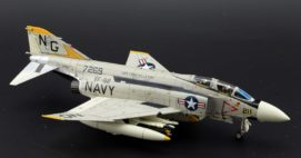 """Starboard View Air Commander AC1006 - 1/72 Scale McDonnell Douglas F-4J Phantom II Diecast Aircraft Model of VF-92 """"Silver Kings"""", NG 211, USS Constellation (CV-64), 1972."""