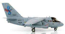 "Starboard View Hobby Master HA4905 - 1/72 Scale Lockheed S-3B Viking Diecast Model of ""Navy 1"", VS-35 ""Blue Wolves"" NK 700, USN, USS Abraham Lincoln (CVN-72), 2002."