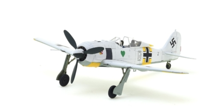 Front port side view of Hobby Master HA7421 – 1/48 Scale Diecast Model of the Focke-Wulf Fw 190A-4