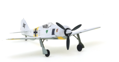 Front starboard side view Hobby Master HA7421 – 1/48 Scale Diecast Model of the Focke-Wulf Fw 190A-4
