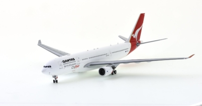 "Front port view Inflight200 IF332QFA0617 - 1/200 scale Airbus A330-200 diecast model VH-EBA ""Cradle Mountain"" Qantas Airways."